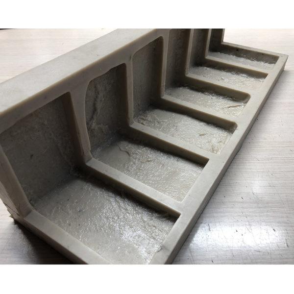 Полиуретановая форма Заводской кирпич Угол литой F610D (2см)
